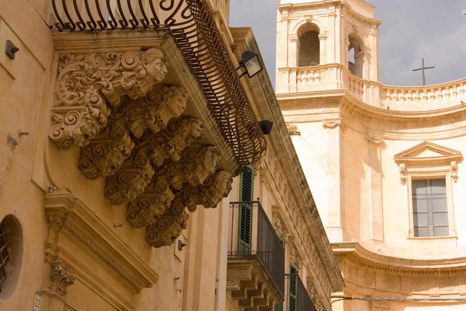Noto-Balconi